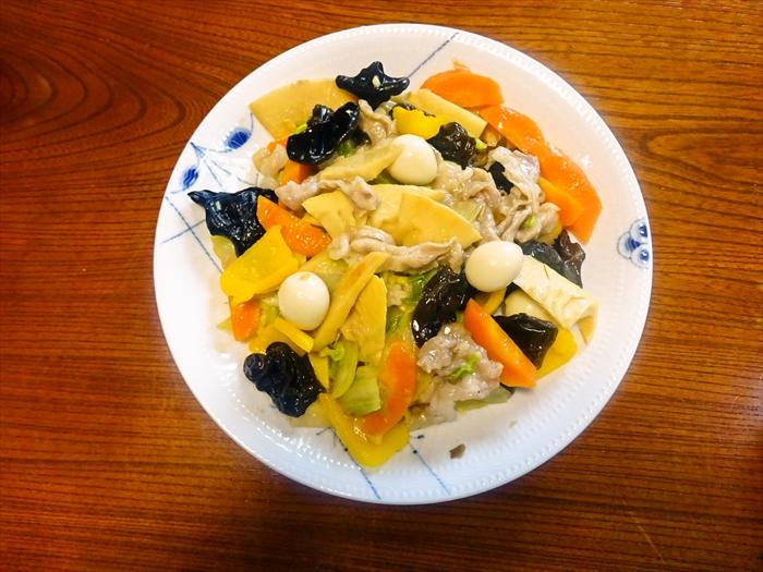 ぷりぷり豚肉の八宝菜1